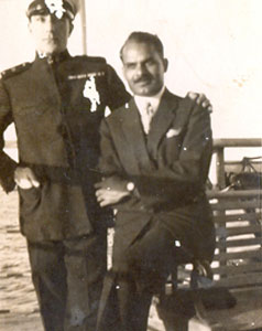 Family-photo-india/thumb/Natvarsinh-Rana-son-of-Ranaji-with-Captain-of-Steamer-Travelling-to-Paris-from-Mumbai(1)-thumb.jpg