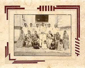 Family-photo-india/thumb/Rana-Family-at-Limbdi-thumb.jpg