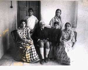Family-photo-india/thumb/Ranaji-at-Limbdi-thumb.jpg