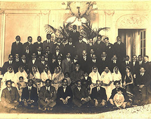 Prominent-Degnitaries/With-Ravindramath-Tagore-at-Paris/thumb/Group-Photograph-at-Paris-with-Rabindranath-Tagore-sitting-second-from-rightTB.jpg